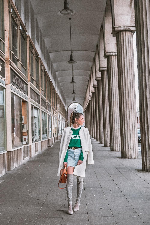 outfit gucci gürtel overknees grau sandro pullover mantel street style fashion blog essen stadt 27
