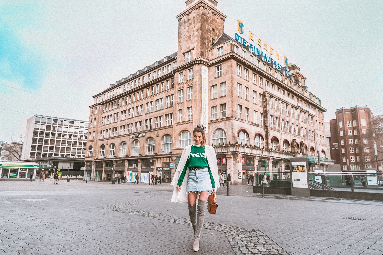 outfit gucci gürtel overknees grau sandro pullover mantel street style fashion blog essen handelshof