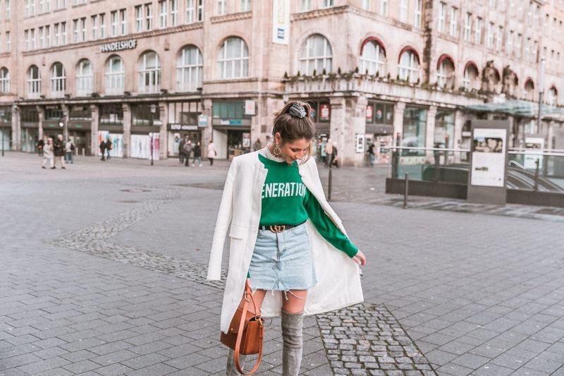 outfit gucci gürtel overknees grau sandro pullover mantel street style fashion blog essen stadt