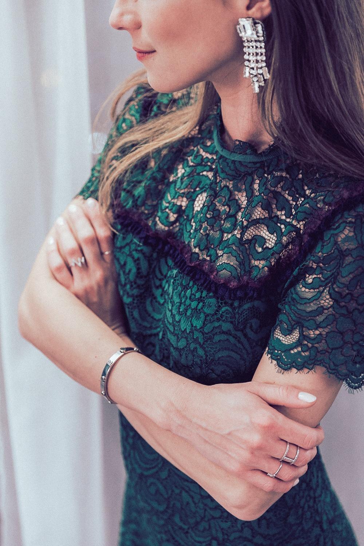 sandro paris lace dress kleid spitze earrings details blog fashion week 2018 veja du
