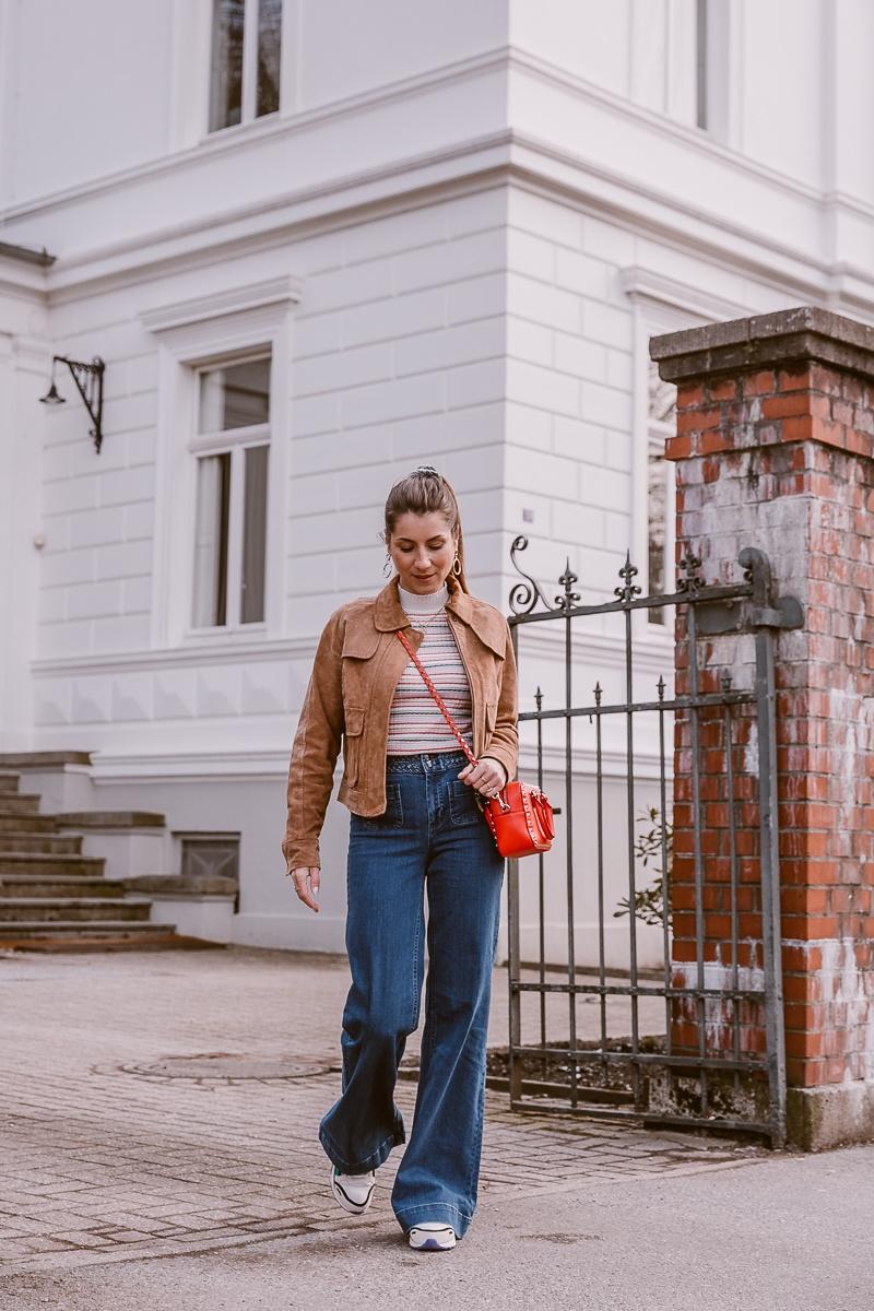 nuemph braune wildlederjacke wide leg jeans casual outfit fruehling 11